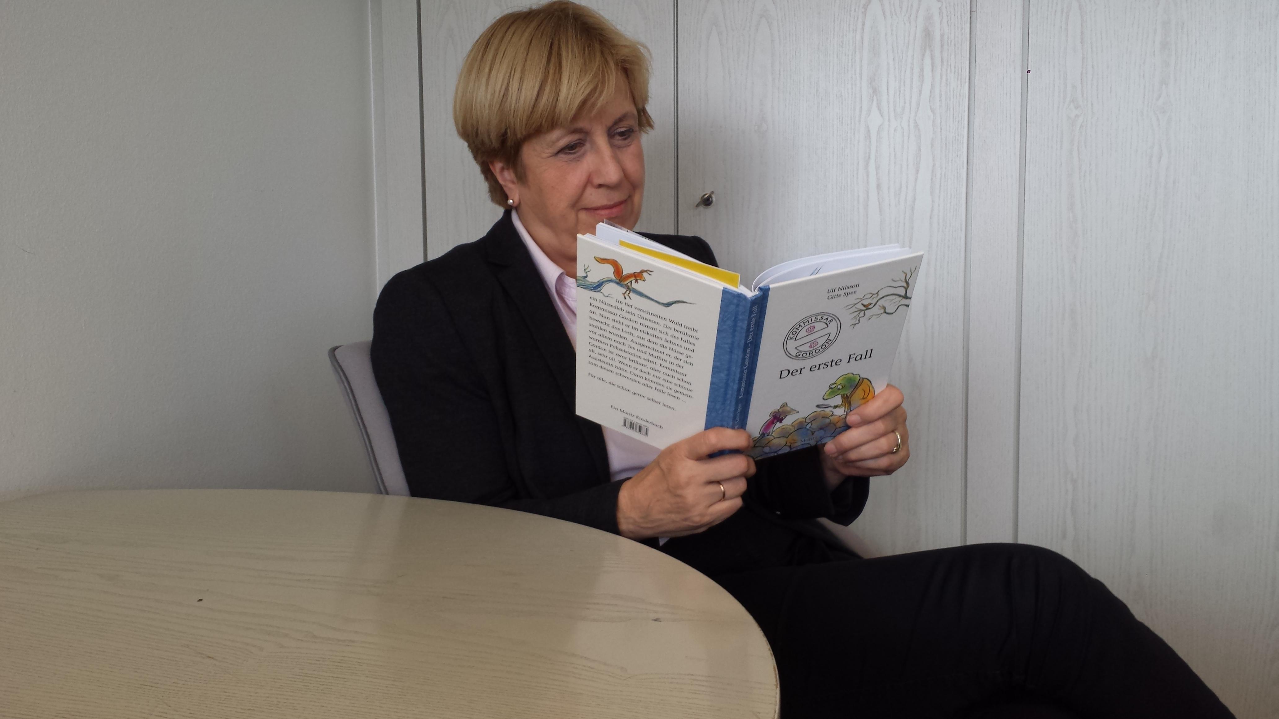 """Elisabeth Müller-Witt liest """"Kommissar Gordon - Der erste Fall"""""""