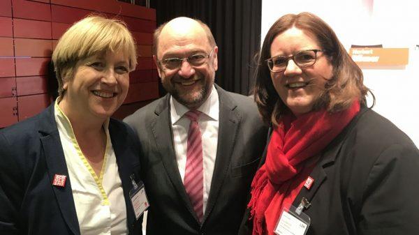 Elisabeth Müller-Witt MdL (l.), Martin Schulz und Kerstin Griese MdB