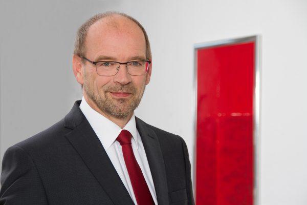 Integrationsminister Rainer Schmeltzer