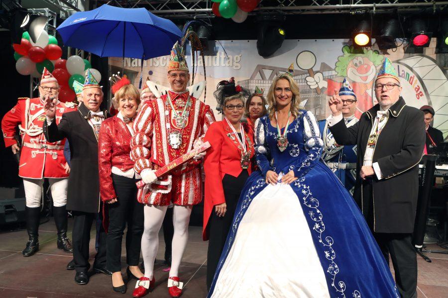 Prinz Roland I. und Prinzessin Ewa I. samt Gefolge mit Carina Gödecke und Elisabeth Müller-Witt